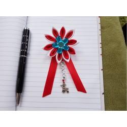 Kvet na kočík (červeno biely) modrý kvietok