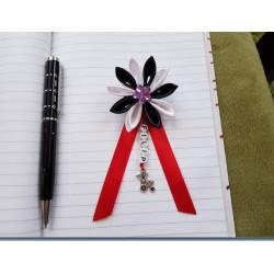 Kvet na kočík (čierno biely) fialový kvietok